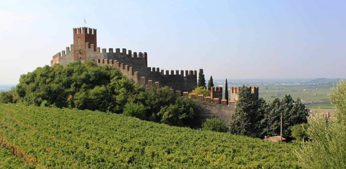Tour of Soave